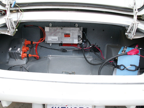 DC-DC INVERTER IN THE TRUNK