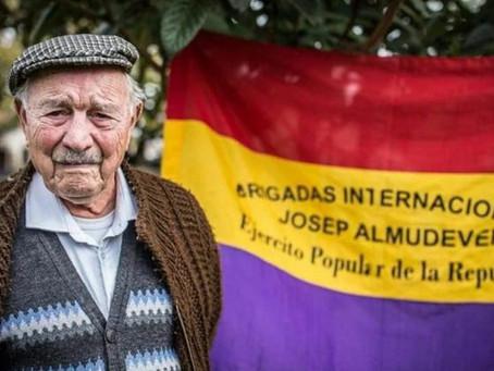 Josep Almudéver, un dels últims brigadistes internacionals, ens deixa amb cent un anys.