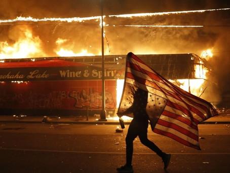 L'Imperialisme americà trontolla!