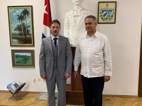 Reunió a l'ambaixada de Cuba