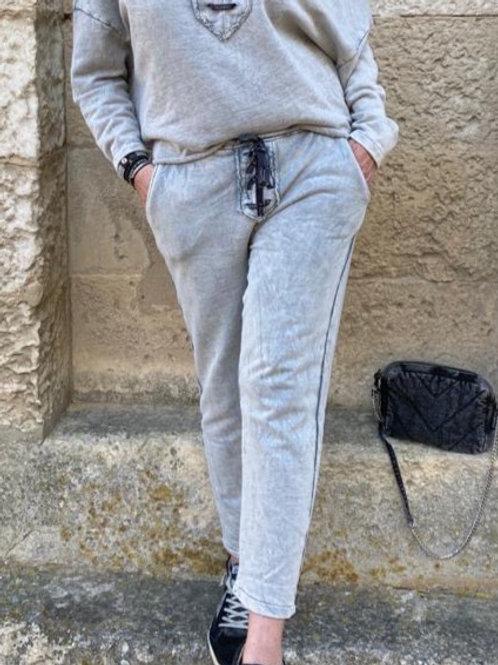 jogging gris à lacet