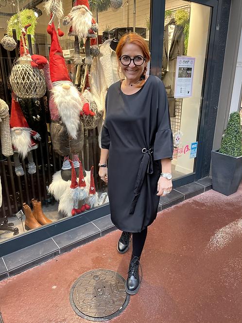 robe oeillet noire
