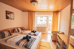 Zimmer 10 -1.JPG