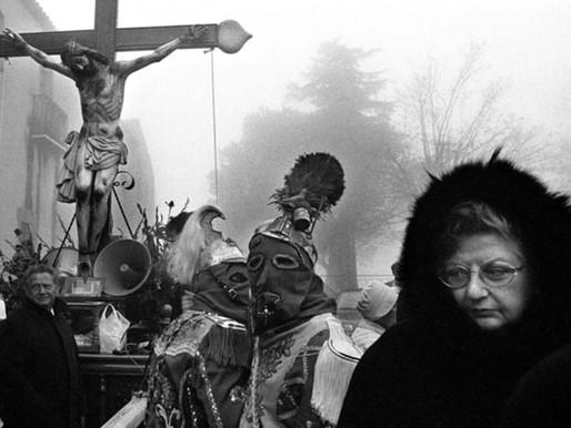 Sandra Balsells ¨A un paso del cielo¨ Sicilia en procesión. Mujeres fotógrafas