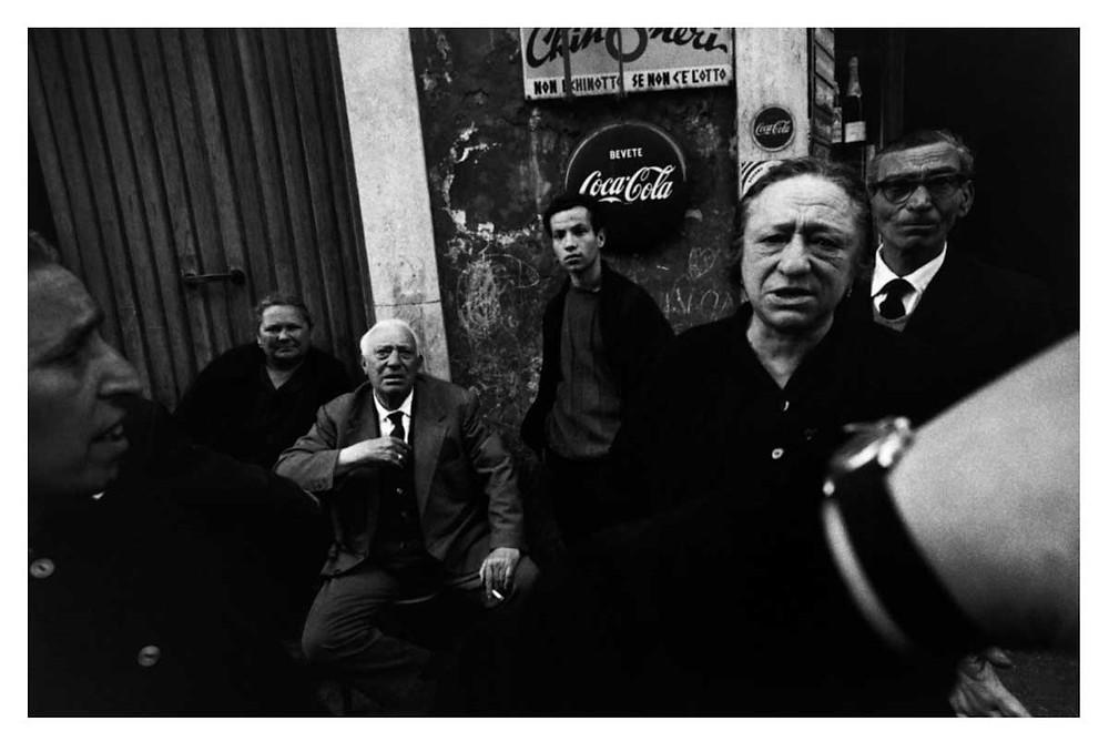 Los italianos Roma, Italia. 1964. Bruno Barbey | Magnum PhotosLicense |