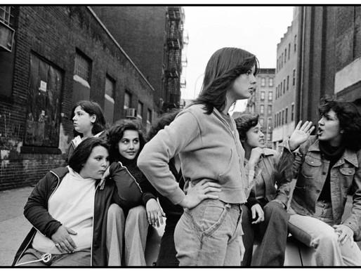 Susan Meiselas ¨Prince Street Girls¨. Mujeres fotógrafas