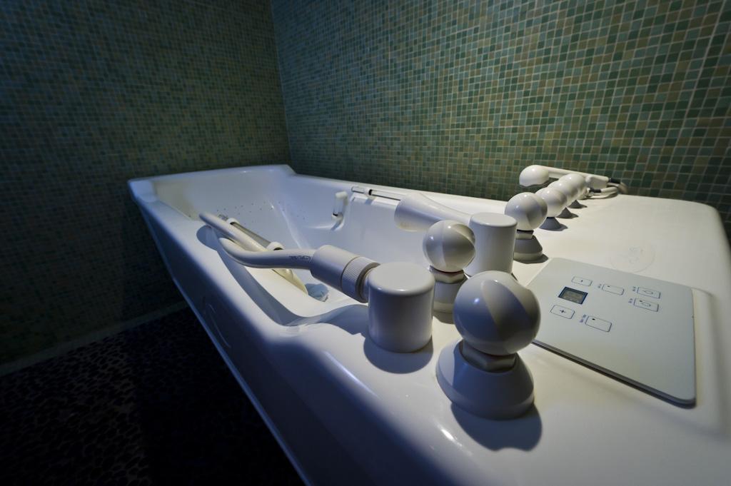 Hydrotherapy Bath