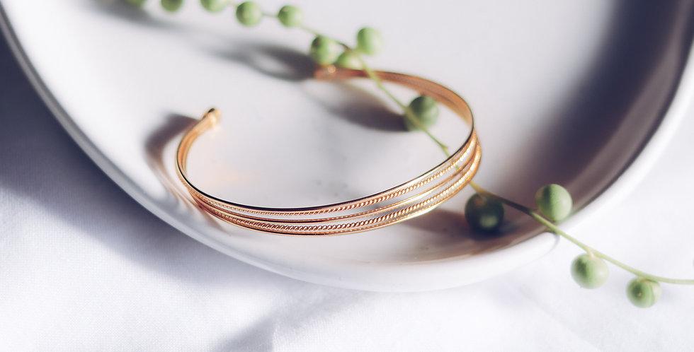 Graceful Strands Bracelet