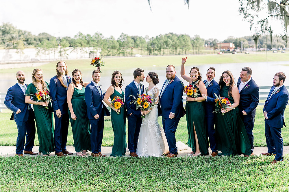 Full wedding party outdoor picture