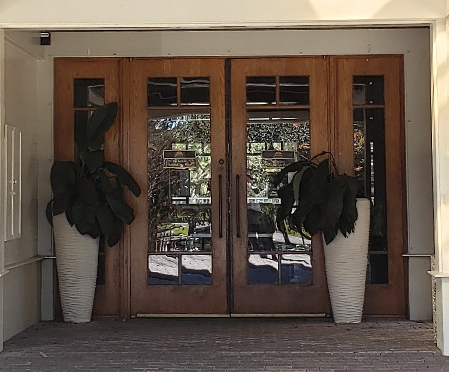 Timacuan front doors, easy to decorate for your wedding