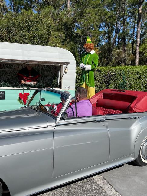 Christmas-themed Orlando Drive Thru Wedding