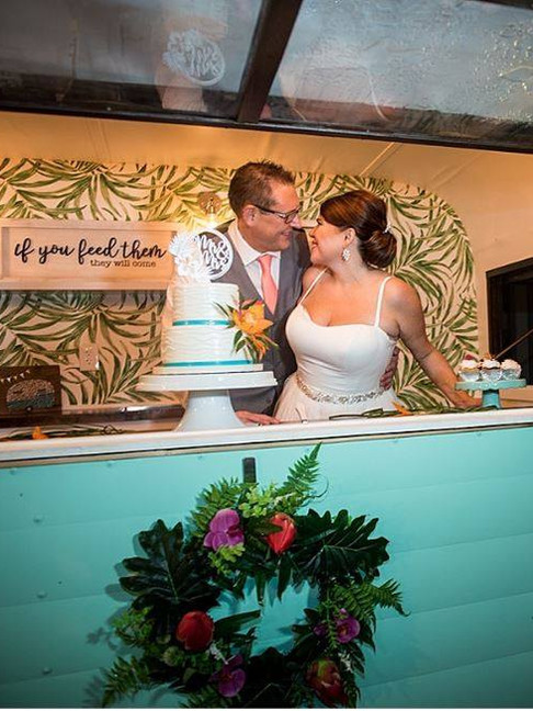 Make your own dream intimate wedding with Orlando Drive Thru Weddings!