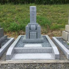 シンプルな京都型墓石大島石使用