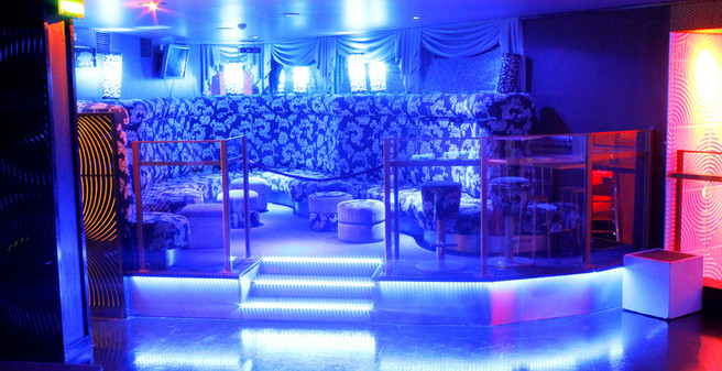 Shooters Main Room Large VIP Booths 2.jp