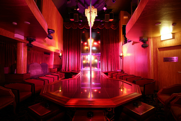 Hollywood 8 - Main Stage.jpg
