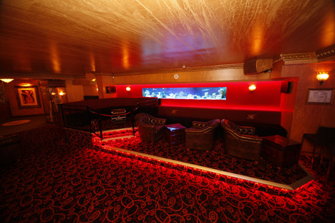 Hollywood 6 - VIP Fish Tank Booth (compl