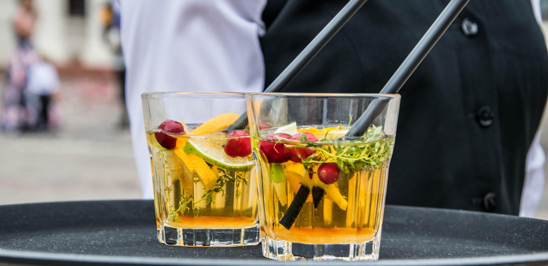 alcoholic-bar-bartender-169391.jpg