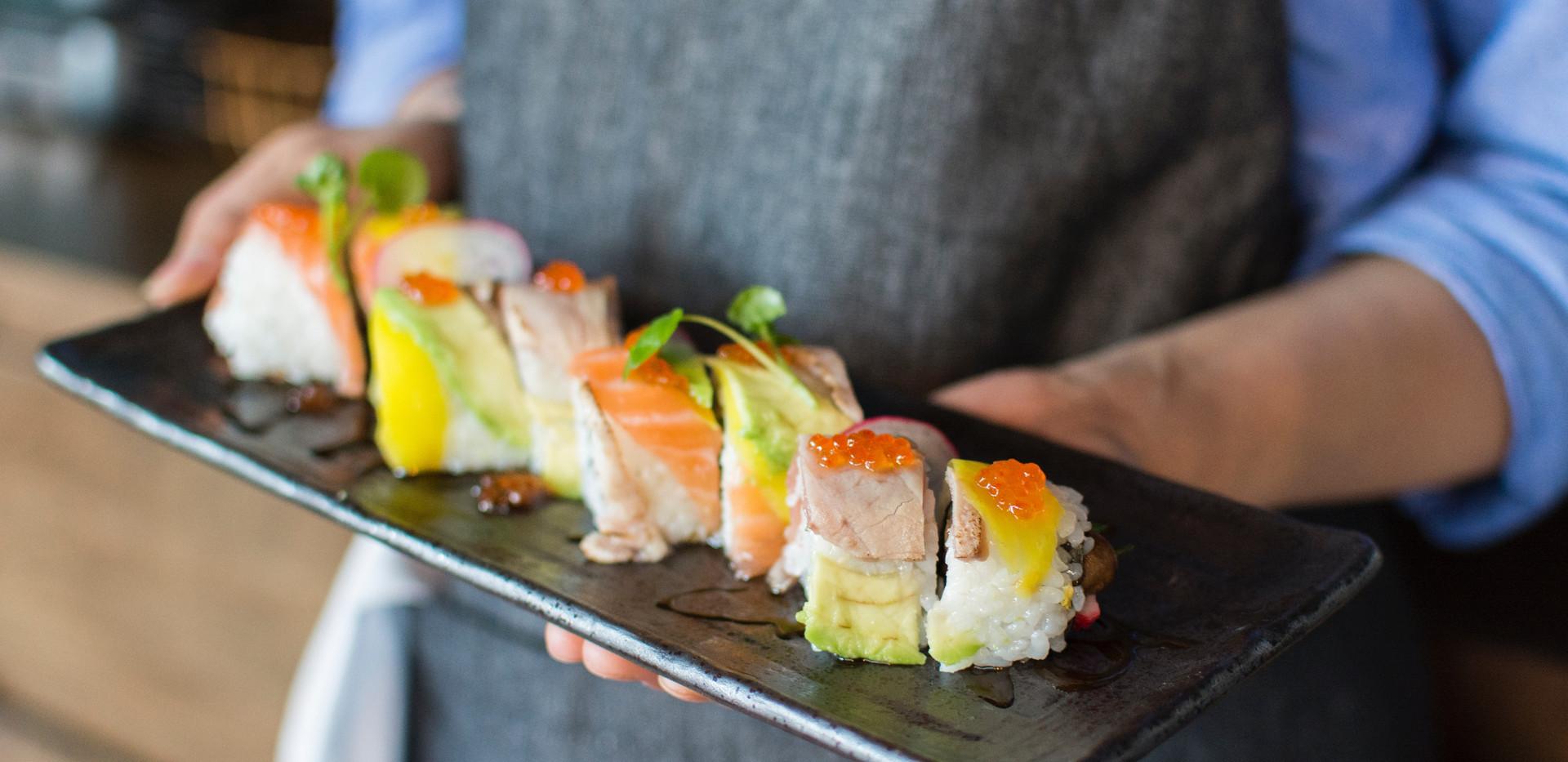 asian-food-ceramic-plate-chef-1422384.jp
