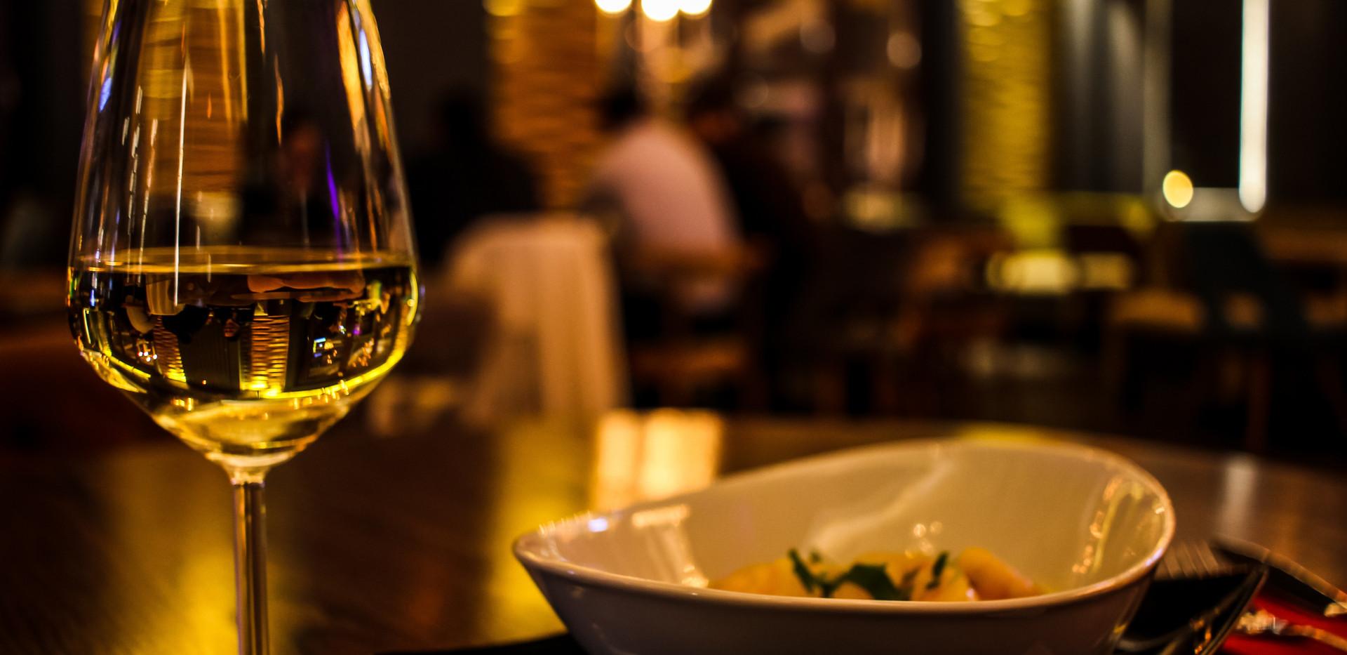 blur-close-up-cutlery-370984.jpg