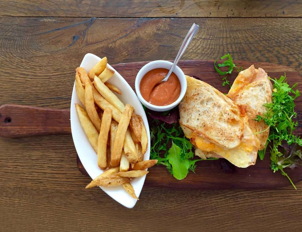 bread-chip-close-up-62097.jpg