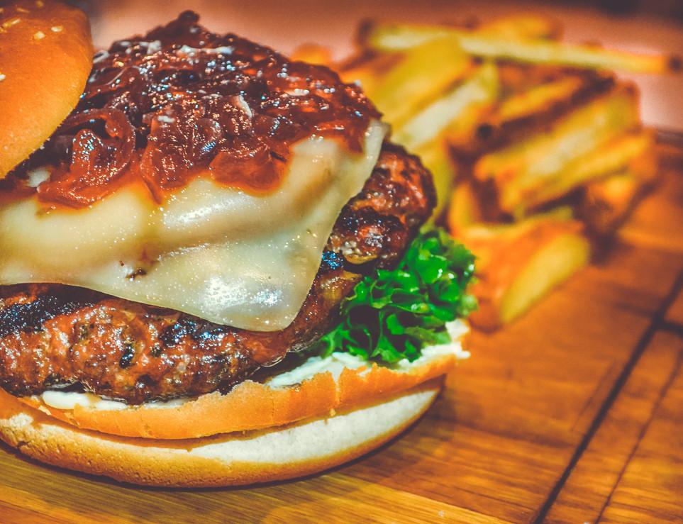 beef-bread-bun-750075.jpg