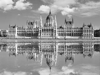 Budapest Parliament Full size.jpg