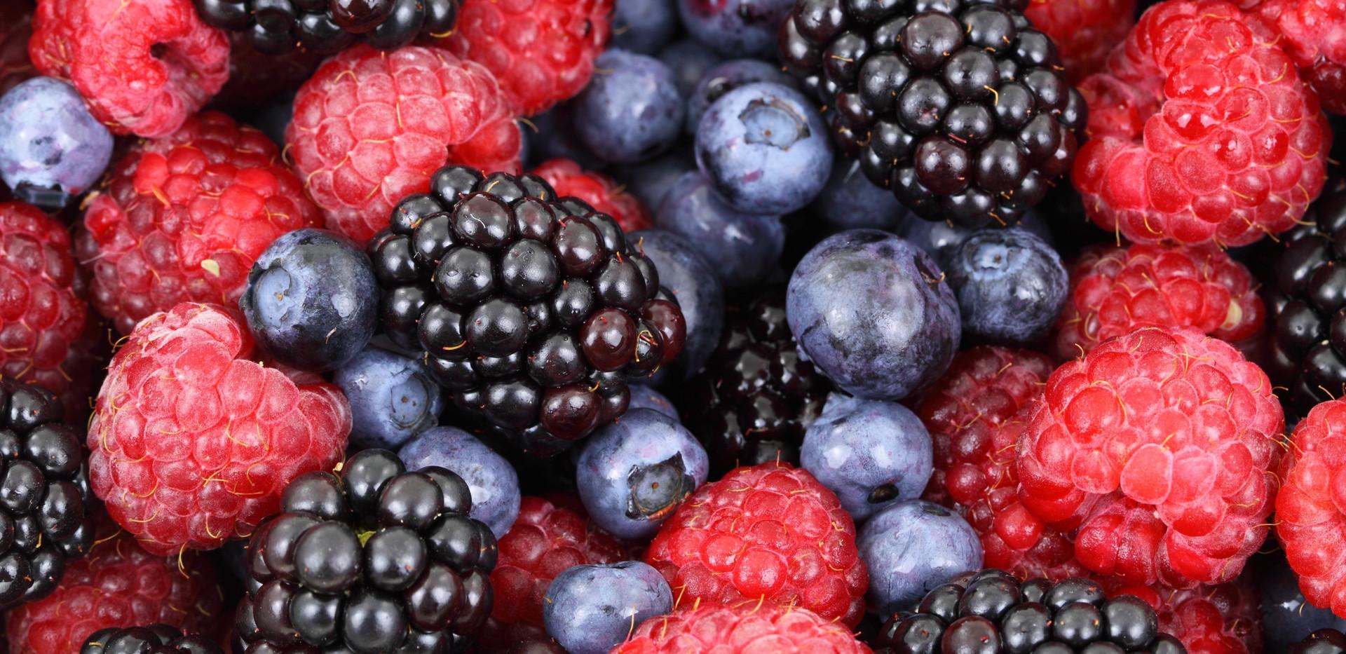 berries-blackberries-blueberries-87818.j