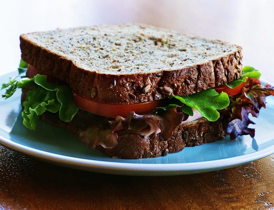 bread-breakfast-close-up-1209029.jpg