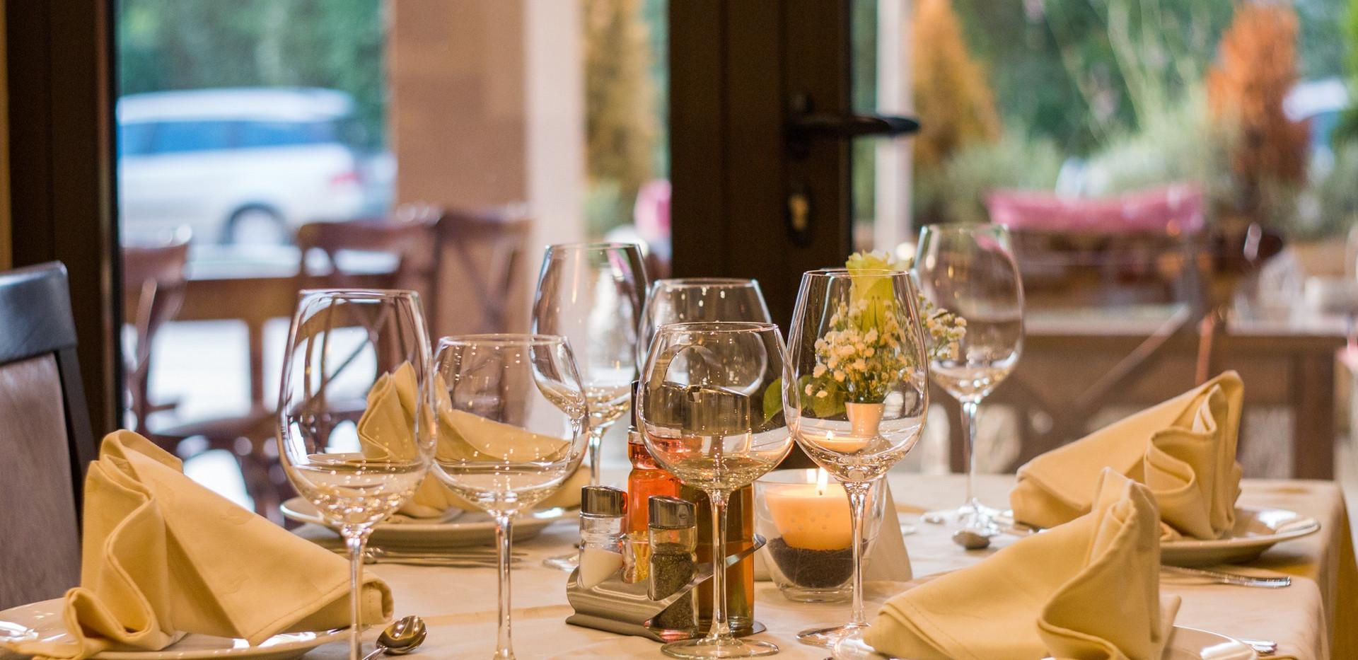 fine-dining-restaurant-table-51115.jpg