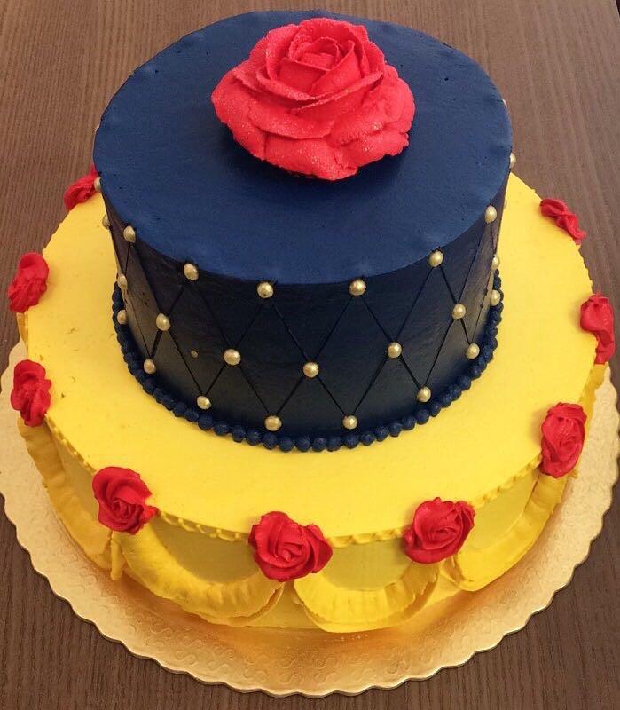 Você pode encomendar esse lindo bolo e escolhe qual recheio e massa você mais gosta.