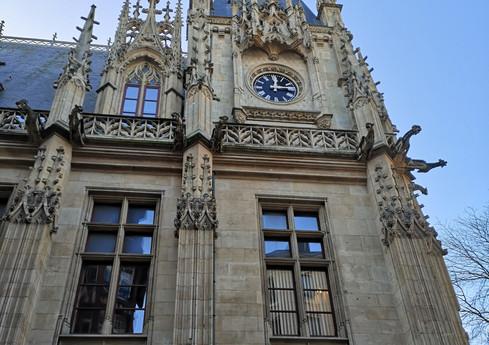 PALAIS DE JUSTICE ROUEN AVEC DES STIGMAT