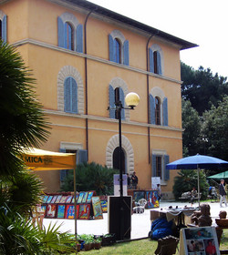 Villa La Versiliana_edited.JPG