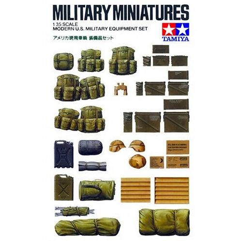 US military equipment set