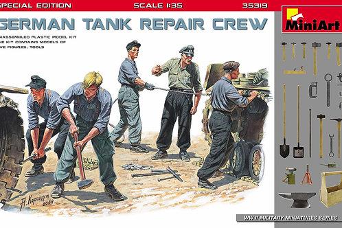 German tank repair crew