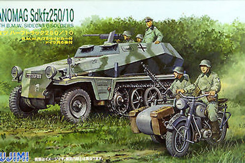 Hanomag Sdkfz 250/10 with motor cycle & soldiers