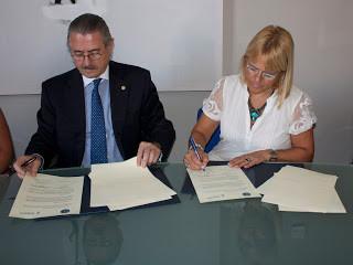 Firma Convenio Universidad.jpg