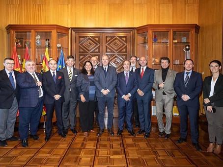 ElCuerpo Consular de Aragón se reunecon el IlustrísimoAlcalde de Zaragoza