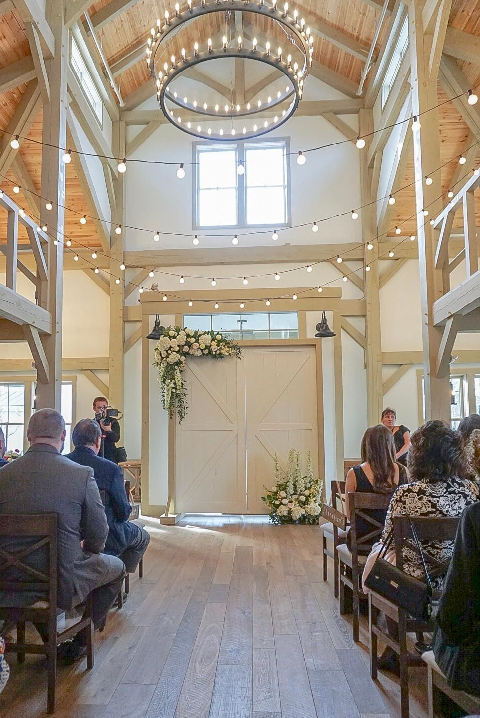 Grove Restuarant, Rowely MA, Briar Barn Inn Wedding, Briar Barn Inn indoor ceremony, Briar Barn Inn Reception, Grove Reception, Wedding Flowers, Fleur and Stitch, Fleur + Stitch, Fleur & Stitch