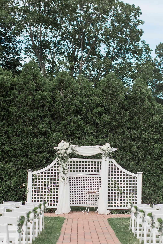 Groveland Fairways outdoor ceremony arbor