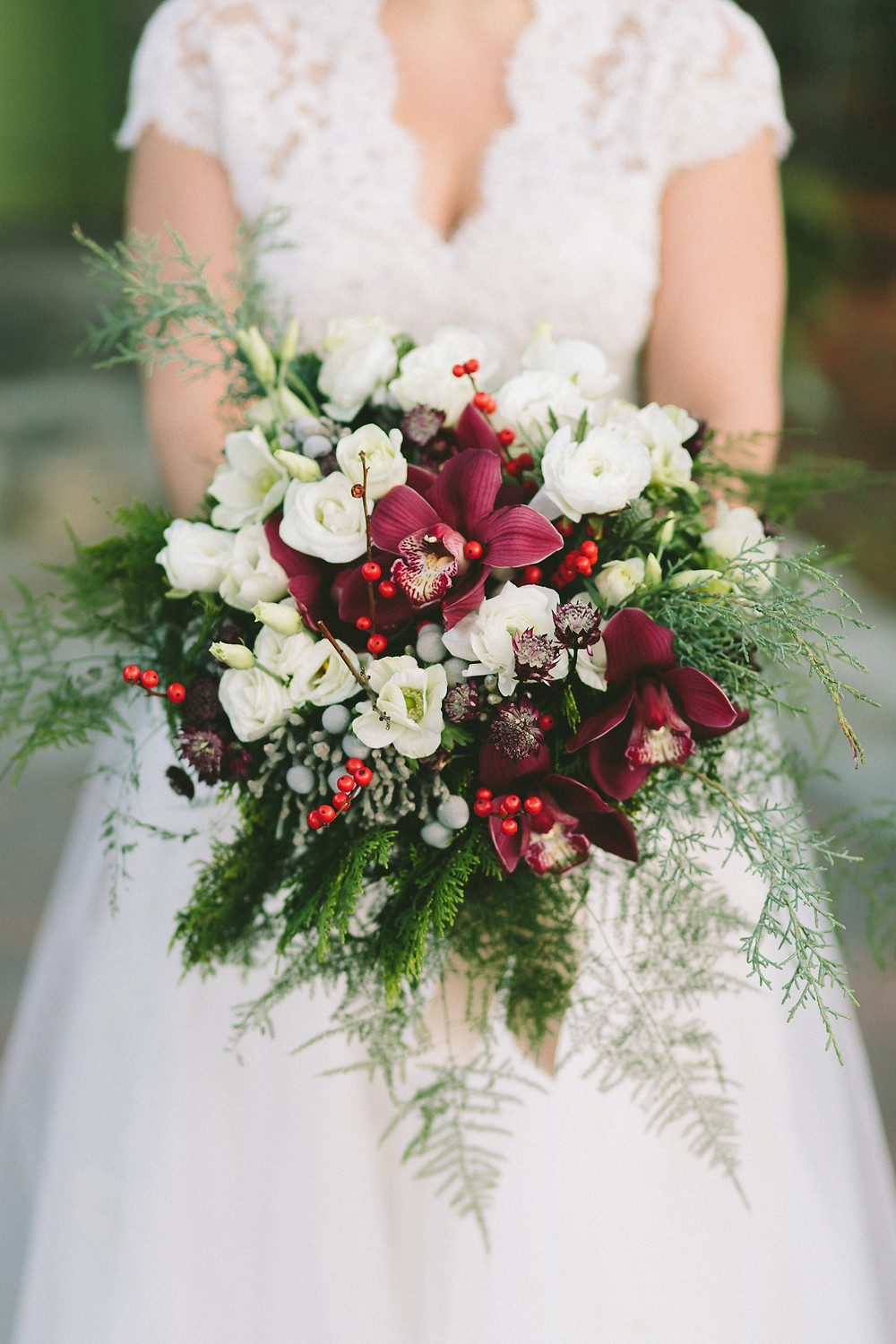 Christmas Wedding, Christmas Bouquet, The Willowdale Estate