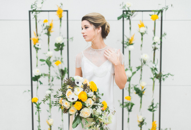Color POP! How To Add a Pop of Color To Your Wedding Flowers