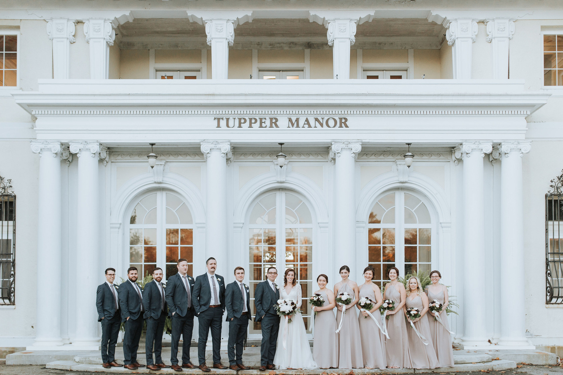 Tupper Manor Wedding Flowers,Elizabeth Willis Photography, Tuppor Manor, Beverly MA, Wedding Flowers, Fleur + Stitch, Fleur and Stitch, Fleur & Stitch
