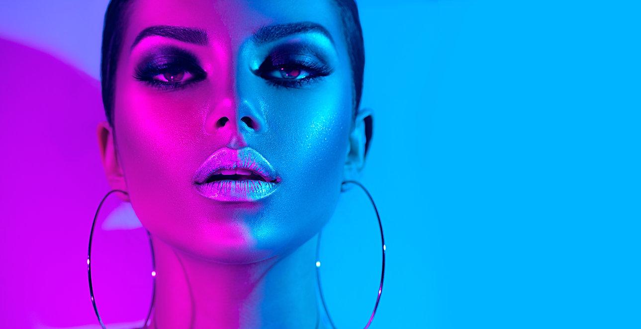 High Fashion model metallic silver lips