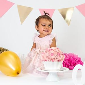 Aniyah's Cake Smash!