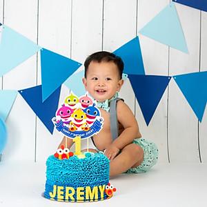 Jeremy's Cake Smash!