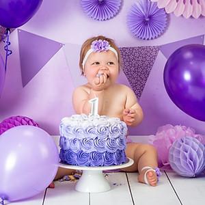 Phoebe's Cake Smash!