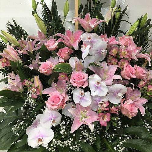 H2132-祝スタンド2段ピンク系 胡蝶蘭・ユリ・バラ・デルフィニウム・アジサイ 01