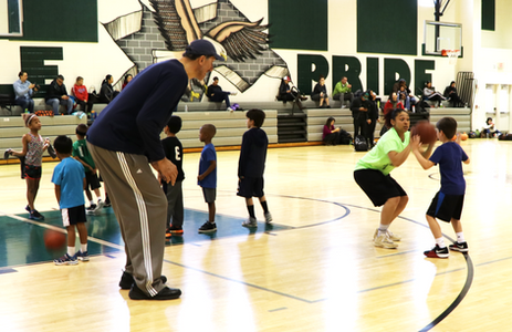 Former NBA player Gheorghe Muresan hosts youth basketball clinic - Loudoun Times Mirror