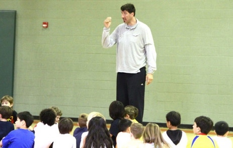 Former NBA Giant Teaches Hoops to Falls Church Little Ones - Patch