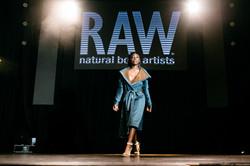 1046-raw artists show september 2018